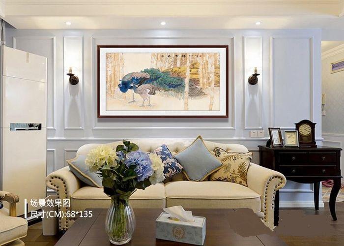 客厅装饰画:家里客厅适合挂什么画?国画花鸟画,装饰空白墙面、调节家居氛围、寓意美好,点缀家居